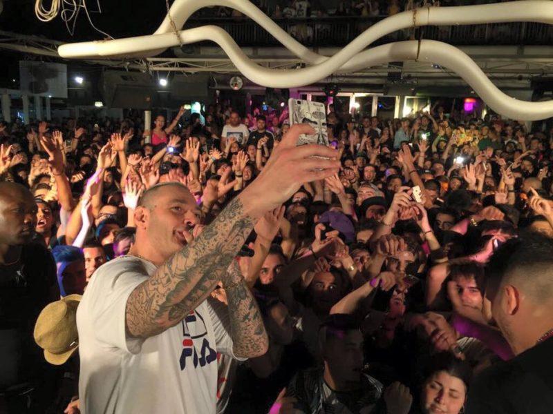 Fabri Fibra Rapper Italiano in concerto