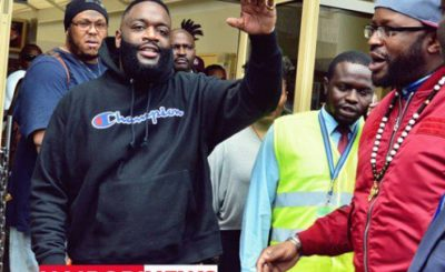 l rapper americano Rick a JKIA quando è arrivato a Nairobi. FOTO | FRANCIS NDERITU